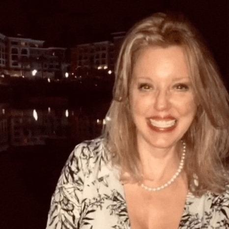 Theresa Mains Bio Photo